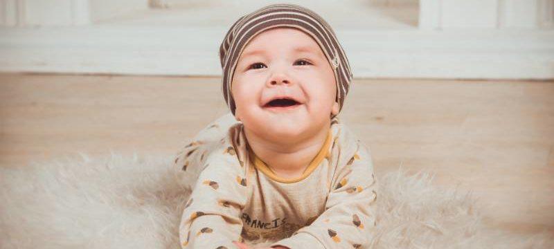 Singhiozzo e neonati: cause e rimedi