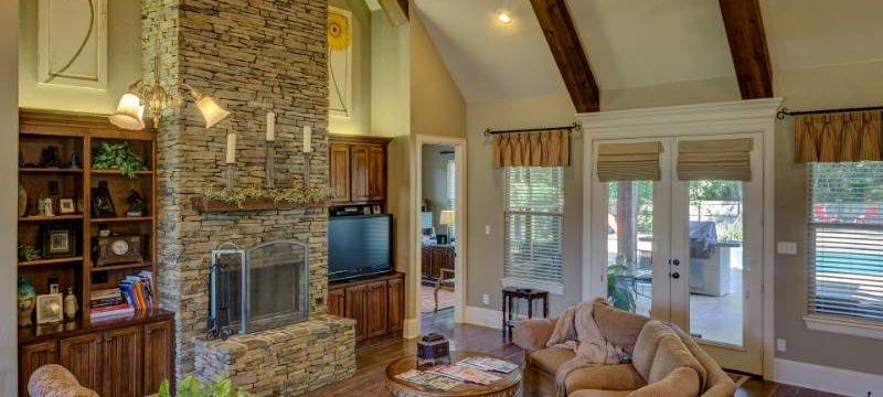 Come dividere gli ambienti di casa con pareti attrezzate e librerie?