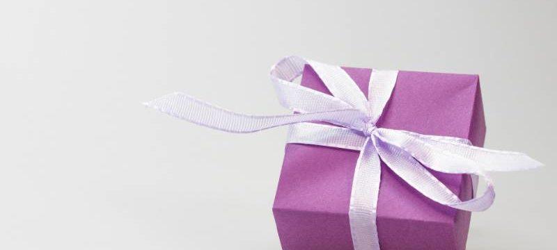 Idee su cosa regalare ad una ragazza per la cresima