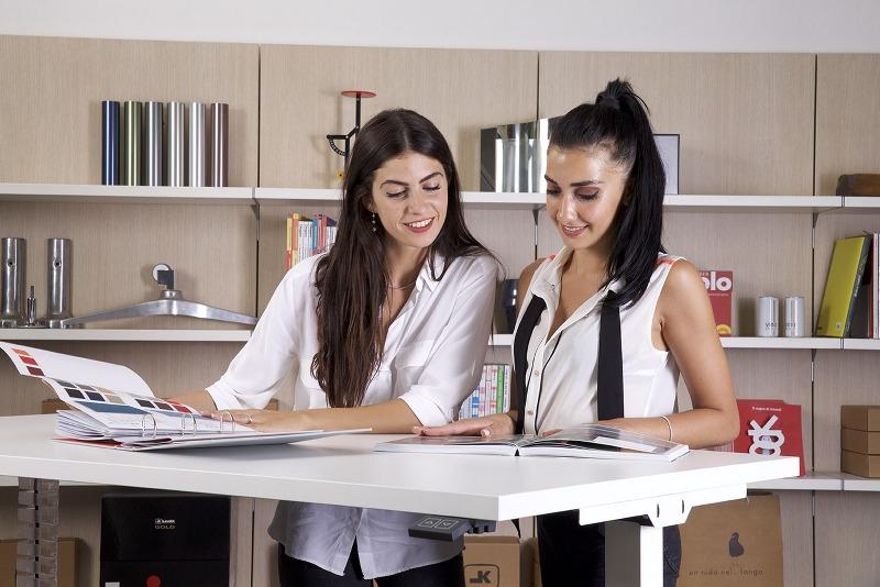 Direzionali vs operativi, ecco come cambiano i mobili da ufficio